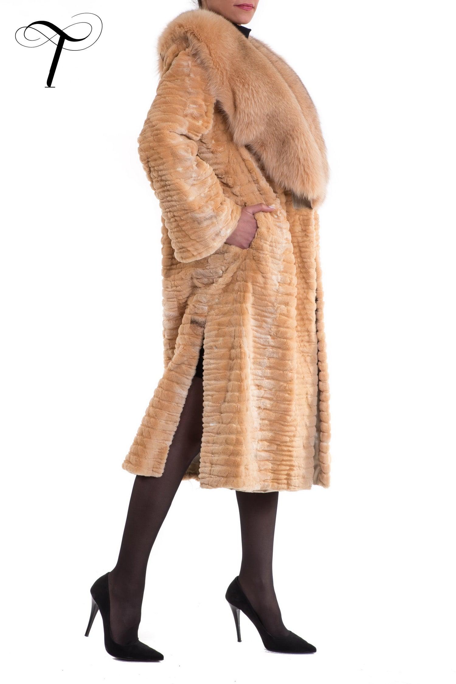 86cf1223afd51 Fur Coat Beige Coat Fox Trim Laser Cut Sheared Mink